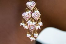 The Best Earring Finds / Trend setting earrings inspiration. Dangle, sparkle, studs, hoops and more. Sigh..
