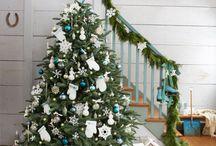 Árbol de Navidad y pies del árbol