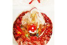Confezioni regalo e cesti natalizi / Tutte le nostre confezioni regalo disponibili tutto l'anno e tutti i decori e cesti natalizi. Una moltitudine di idee regalo a partire da 2,99euro. Clicca il link per visualizzarle tutte nel sito web.