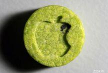 L'ecstasy de retour dans le milieu festif / Différents cachets d'ecstasy. Le marketing des fabriquants n'a pas de limite.