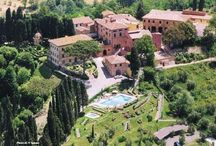 Borgo Bucciano - Wedding Villa in Tuscany / Borgo Bucciano is a Wedding Villa of the 17th century with 11 apartments. Elegant internal rooms, Italian Gardens, an Intimate Chapel and a Terrace with a special view are the perfect #weddingvenue for your #destinationwedding in #Italy