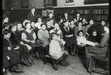 Bibliotecas y su historia / Imágenes de bibliotecas peculiares o históricas.