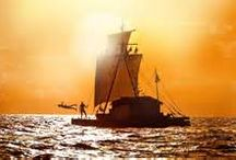 The Kon-Tiki Expidition / Thor Heyerdahl's Expedition from Peru to Polynesia in 1947 in the balsa raft Kon-Tiki. He was going to prove that the Polynesian People originally migrated from South-America, drifting westward across the Pacific Ocean with the Humboldt current.