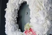 Wreaths & Garlands / by Andrea Leo Harbert