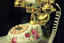Ideas / table, phone, clock, lamp