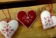 My christmas hearts / mis corazones navideños / hand-made felt hearts