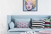Decorette ♥ Pop-Art / Pop-Art is stijltijdperk uit de jaren 50 maar Anno 2017 nog reuze populair. Geef deze kleurrijke beelden een modern jasje en laat je inspireren door humoristische prints, kleurrijke invloeden en een vleugje sarcasme voor in het interieur.
