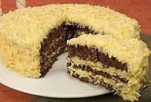 Bolos, tortas, doces / Sou apaixonada por bolos tortas e doces, aqui tem muitas receitas maravilhosas, mas ainda faltam muitas outras.... / by Irany Alves