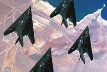 F-117 Nighthawk (Lockheed) / F-117 Nighthawk