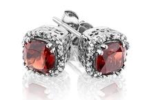 January Birthstone - Garnet Jewelry / Garnet birthstone gemstone jewelry for people born in January