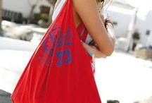 Do it yourself sac / Le sac de plage fait soi-même que toutes les copines auront envie de nous piquer ! Coupé dans le T-shirt préféré de chéri, c'est encore mieux... Allez hop, à nos ciseaux !