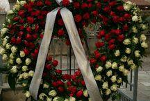 lavori funebri#ultimo saluto#corone cuscini copricassa particolari