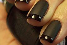 nails / by Chloe Janvrin