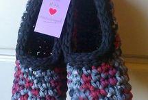 Scarpe e calzini di lana