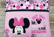 Reading pocket pillows