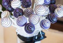 Cake pops / by Davida Selvy