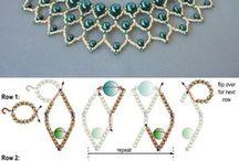 náhrdelník bílé šaty