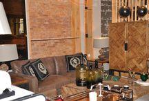 Espace Deco - I'magie Maison / L'univers d'Imagie Maison est le résultat d'une recherche associant harmonie, art et créativité. L'idée d'origine d'Imagie Maison est de proposer un concept de décoration intégré à ses clients ; tous les meubles sont proposés avec des accessoires les mettant en valeur englobant tout article déco allant du plaid à la toile tendue, aux accessoires de décoration, aux coussins, aux luminaires, parfums d'ambiances, aux papiers peints….