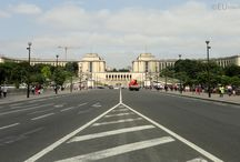 Palais de Chaillot / The Palais de Chaillot is one of the many tourist attractions you can find in Paris, but this one is well known for the golden statues that you can find there as well as the greats views towards the Eiffel Tower.