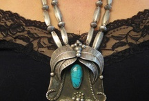 Jewellery - Neck / by Maaika Kruger