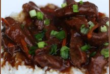 Slow Cooker Recipes / by Amy Oredson