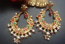 Aww...jewellry!