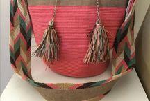 bolsas wayuu / Todos nuestros productos proyectan un balance a lo estético, practico y funcional para lograr una imagen fresca, casual y dinámica convirtiéndonos en la marca de estilo de vida.  Se enfoca en la venta de Bolsas de cuero,  piedras, lisas, colores, figuras.