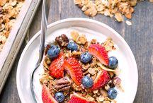 Granola, Muesli & Breakfast Bars / granola, muesli, mysli, healthy breakfast, granola bars, muesli bars, granola recipe, sugar free granola, gluten free granola, homemade granola