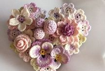 crochet flowers / I do this like a gifts, for decoration. Little ,simple , effective