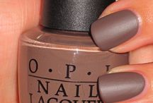 mains ongles ...lèvres
