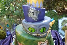 Alice in Wonderland <3 / Wedding, accessories, Alice in Wonderland stuff, library, books / by Carli Smith