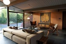 Sit, lounge & fireplace areas