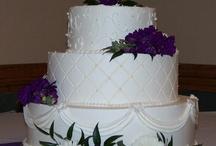 Wedding Cakes / by Laura U
