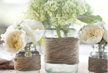 Table centerpiece for wedding / Mason Jars and lanterns