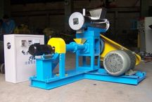 floating fish feed extruder machine / https://www.pelletizermill.com/floating-fish-feed-pellet-machine.htm