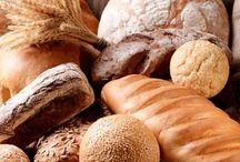 Prodotti tipici italiani / il cibo è la testimonianza più tangibile dell'essenza italiana, fatta di ricchezza, diversità, tradizioni, mestieri, prodotti, tipicità, modi di vivere.