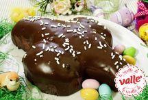 Ricette Pasquali / L'uovo di Pasqua o la colomba sono solo alcuni dei dolci con cui concludere in bellezza il tuo pranzo di Pasqua! Che tu lo trascorra in famiglia o con amici, stupisci i tuoi ospiti con uno dei tanti dolci pasquali proposti da Vallé, tutte ricette facili da preparare, ottime per festeggiare... e quella nell'uovo non sarà più l'unica sorpresa di questa festa!