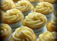 YUM - Cupcake & Cake Pop Craze / by Stella Yam