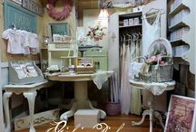 Girl in Pink at Camas Antiques