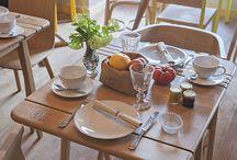Tables bois et chaises