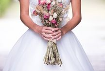Bruidsboeket Droogbloemen / Droogbloemen, Franse Lavendel, gedroogde bloemen en nog veel meer bij Juffrouw Jans droogbloemen- & boeketten.