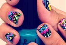 Nails and Makeup / by Juli Rezende