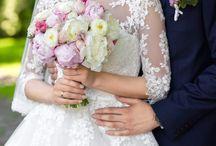 Karten für Hochzeit / Sind Sie auf der Suche nach Karten für Ihre Hochzeit? Dann sind Sie hier genau richtig!  Auf Moderne Hochzeit finden Sie zahlreiche Anbieter bundesweit für deutsche Hochzeiten im Bereich Karten.