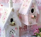 Bird Houses / I just love bird houses, they make me happy!!! / by Kim Rice
