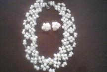 Joyeria de novia / Joyeria para novias en Diferentes técnicas, así como materiales: perla de rio,cuarzos,cristales, etc. o el material de tu elección. Collares,pulseras,anillos,aretes,tiaras,tocados. Excelentes precios, Tenemos venta de mayoreo. piedrisimas.mex.tl