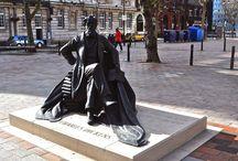 Estatuas y monumentos / Estatuas y monumentos.  Statues.