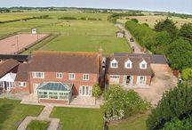 EQUESTRIAN PROPERTIES / Properties with Equestrian facilities