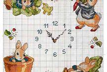 Вышитые часы