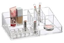 Makeup Tools & Brushes / by Jenine Lilly