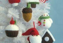 Jul / Strikkene ornamenter